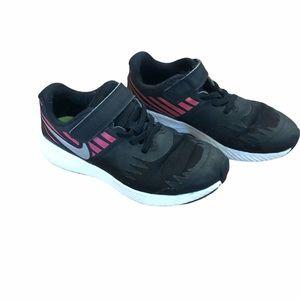 Girls 1Y Nike Star Runner Running Shoes / Sneakers